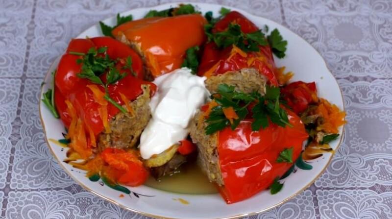 Перцы, фаршированные мясом и рисом в томатно-сметанном соусе. Самые вкусные фото-рецепты в кастрюле и духовке