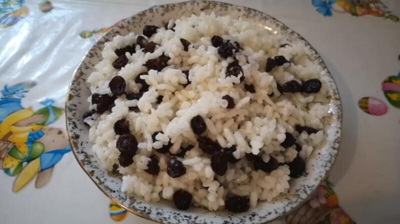 Простой рецепт традиционной рождественской кутьи из риса с изюмом