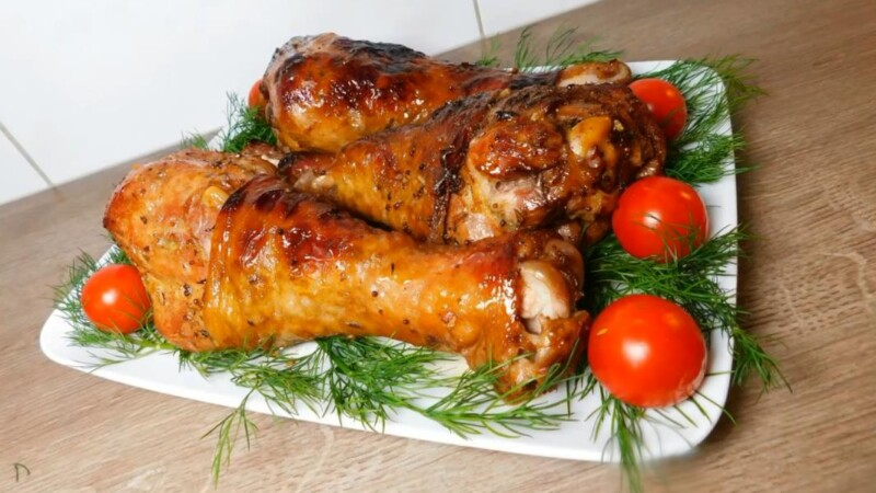 Голень индейки запеченная в духовке в фольге (получается сочная и мягкая)