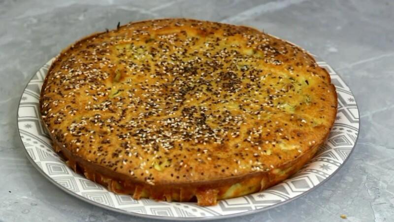 Вкусный рецепт заливного пирога на кефире с капустой и яйцом
