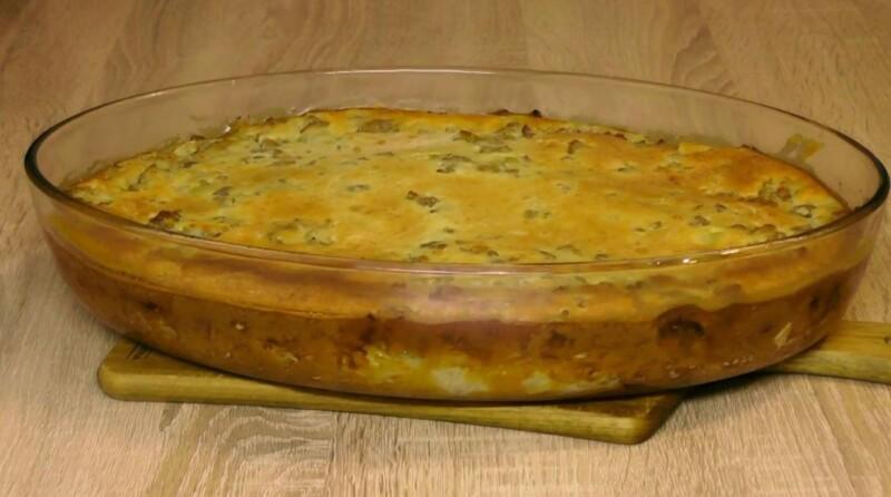 Заливной пирог на кефире с капустой и фаршем — вкусный и быстрый рецепт в духовке
