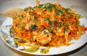 Капуста тушёная на сковороде — 7 очень вкусных классических рецептов с томатной пастой и разными добавками