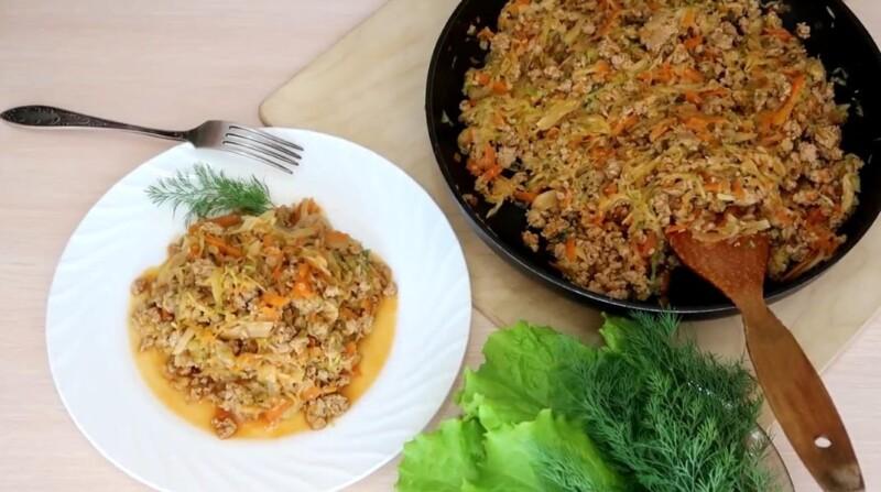 Тушёная капуста на сковороде с фаршем по очень вкусному классическому рецепту