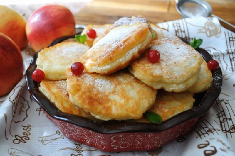 Воздушные оладьи на кефире с яблоками — самые вкусные и пышные яблочные оладьи