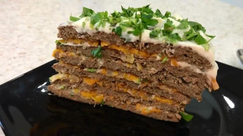 Печеночный торт из говяжьей печени с морковью и луком (готовим дома с пошаговыми фото)