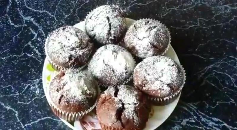 Самые простые шоколадные кексы на кефире в духовке