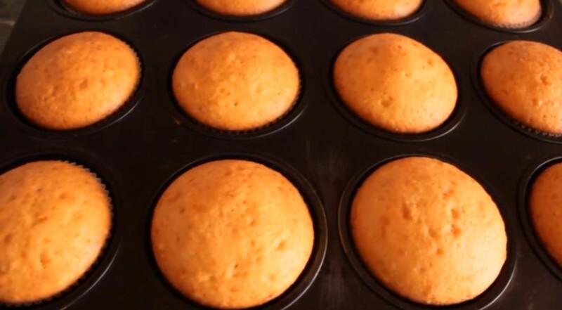 Вкусные кексы на кефире в силиконовых формах в духовке — быстрый и простой рецепт