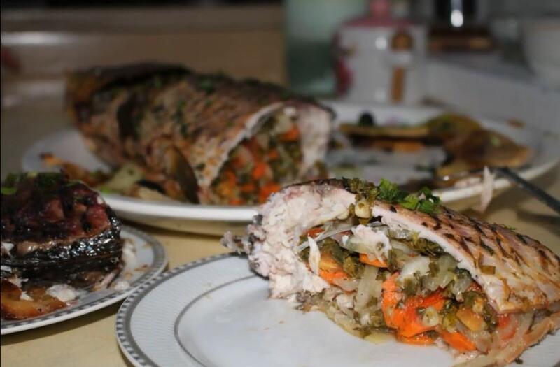 Вкусный рецепт приготовления запеченного зеркального карпа в духовке фаршированного овощами