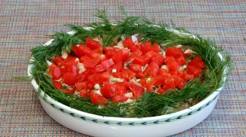 Салат с пекинской капустой и помидорами «Красная Шапочка»