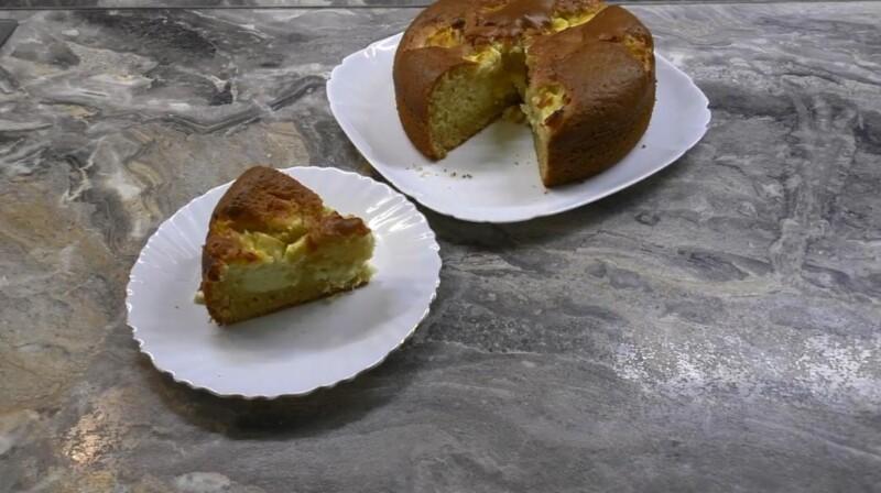 Вкусный рецепт пирога с творогом на кефире в духовке: простой и быстрый в приготовлении