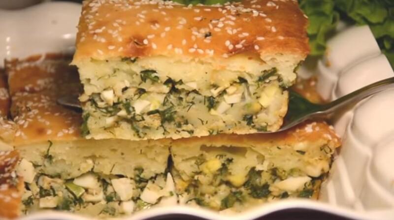 Заливной пирог с яйцом и зеленым луком на кефире в духовке — рецепт быстрый и вкусный