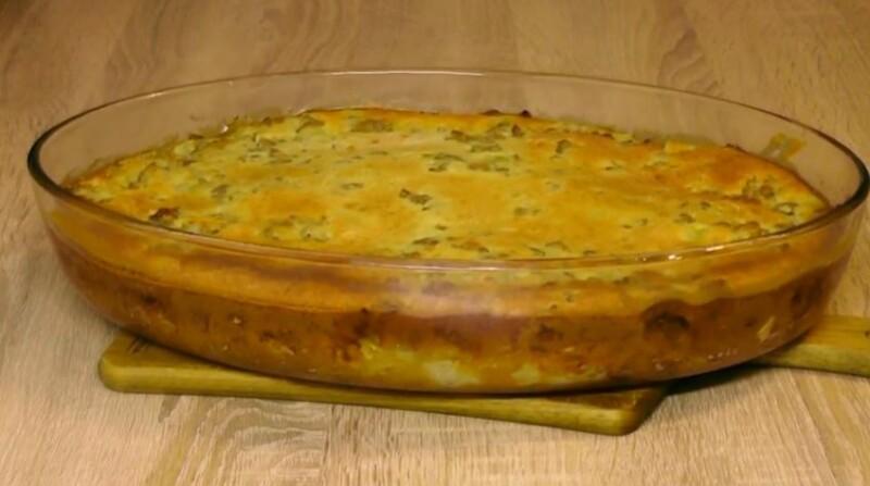 Заливной пирог с капустой и фаршем на кефире — простой и вкусный рецепт в духовке