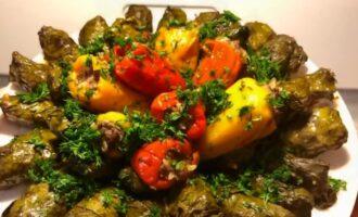 Долма в виноградных листьях — 10 классических рецептов приготовления в домашних условиях
