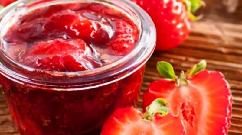 Густое варенье из клубники на зиму без варки ягод по простому рецепту