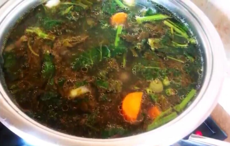 Суп из сушеной крапивы с яйцом и говядиной (рецепт на говяжьем бульоне)