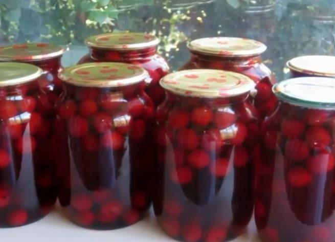 Компот из вишни с косточкой на зиму — простой рецепт на 1 литровую банку