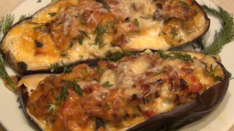 Самые вкусные баклажаны, запеченные с грибами и сыром в духовке