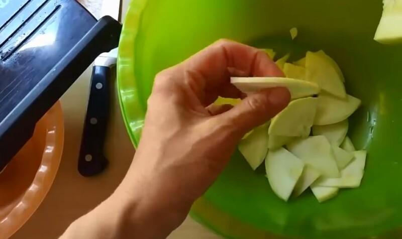 порезать кабачки