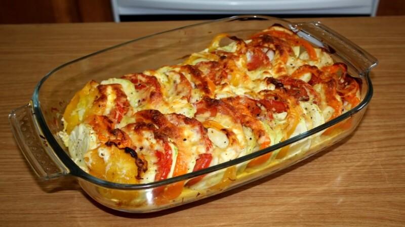 Кабачковая запеканка в духовке с сыром и помидорами