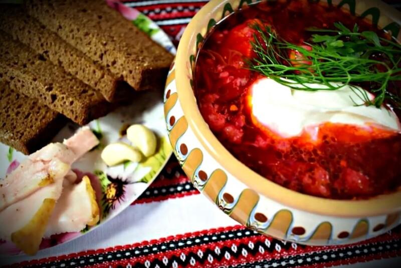 Рецепт приготовления украинского борща с галушками на мясном бульоне