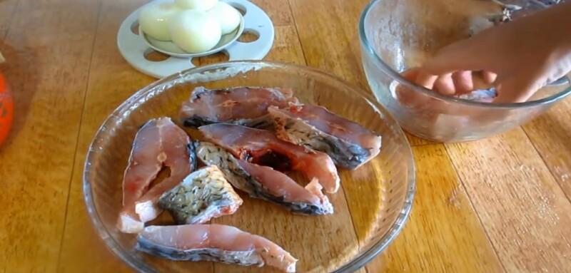 раскладываем рыбу