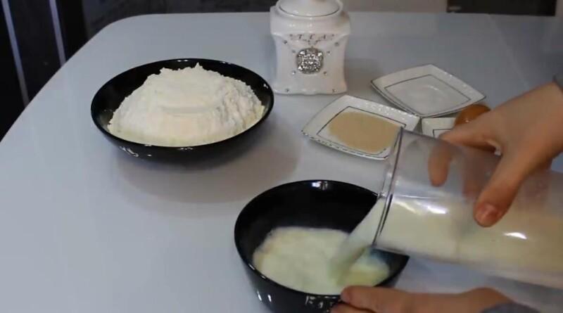 Ватрушки с творогом из дрожжевого теста в духовке — 15 самых вкусных домашних рецептов