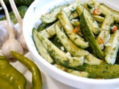 Малосольные огурцы в пакете с чесноком и зеленью — быстрые рецепты приготовления