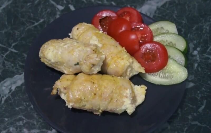 Пошаговый рецепт куриных рулетов с творожным сыром и зеленью