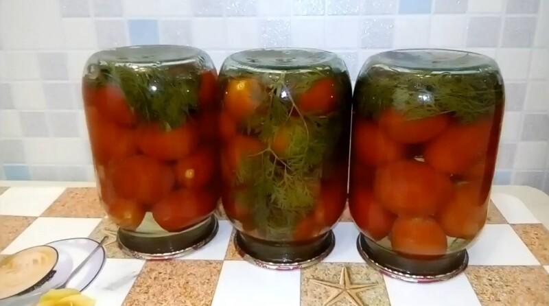 Рецепт маринованных помидоров на зиму с морковной ботвой