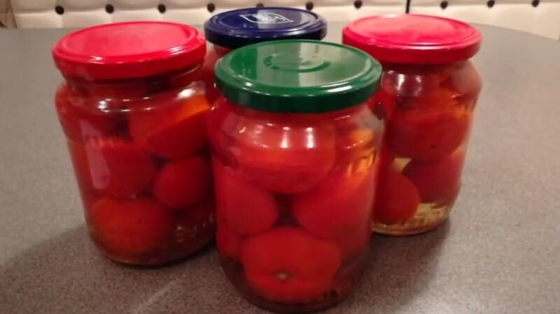 Сладкие и вкусные помидоры маринованные с чесноком — рецепт на зиму