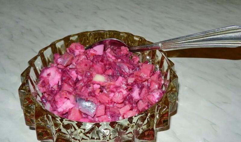Классический винегрет с селедкой — пошаговый рецепт