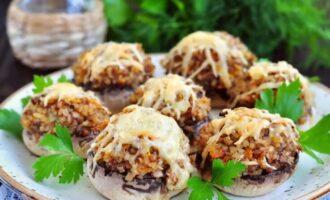 Фаршированные шампиньоны, запеченные в духовке — 15 самых простых и вкусных рецептов