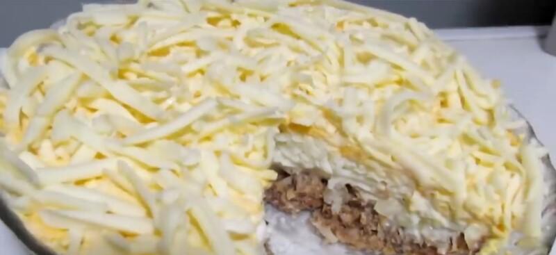 Салат Мимоза с сардиной и плавленым сыром — простой рецепт