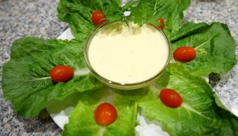 Соус для салата Цезарь — классический рецепт в домашних условиях
