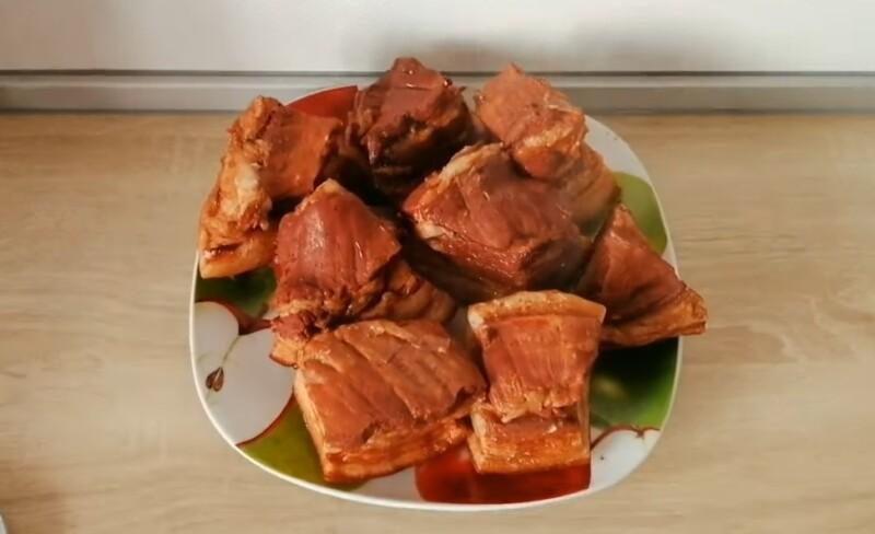 Как сварить сало в луковой шелухе с чесноком — пошаговый рецепт