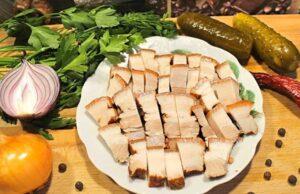 Сало в луковой шелухе — 10 самых вкусных рецептов вареного сала