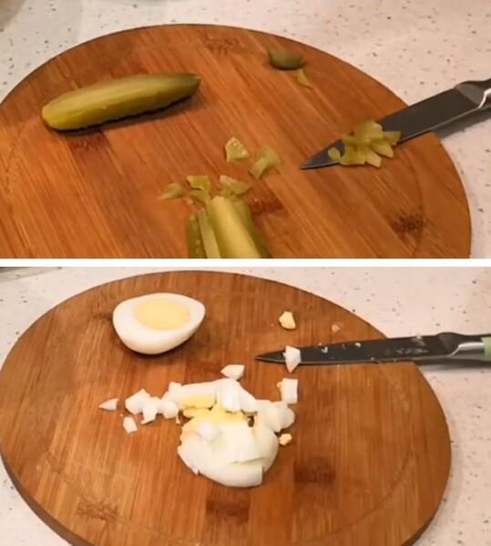 нарезать огурцы и яйцо