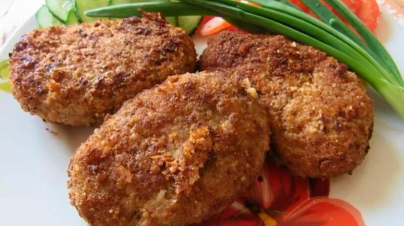Как приготовить вкусные и сочные котлеты из свиного фарша с рисом