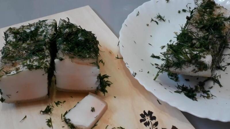 Как солить сало в рассоле с чесноком и укропом — будет мягким и сочным