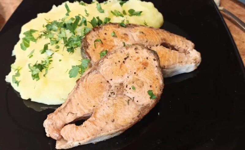 Нежная кета в духовке с картошкой — простой и вкусный рецепт