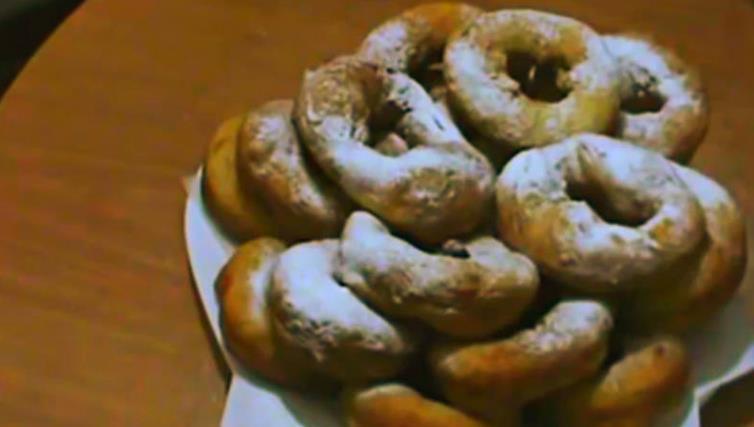 Пончики на кефире жареные на сковороде — рецепт с фото как у бабушки