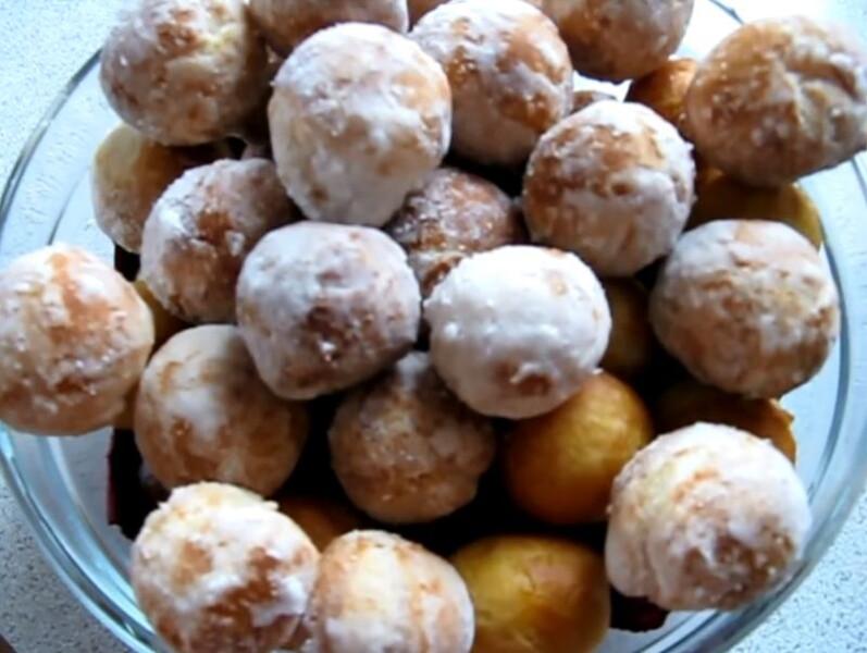 Пончики на сгущёнке — быстро и вкусно