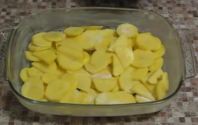 раскладываем картофель