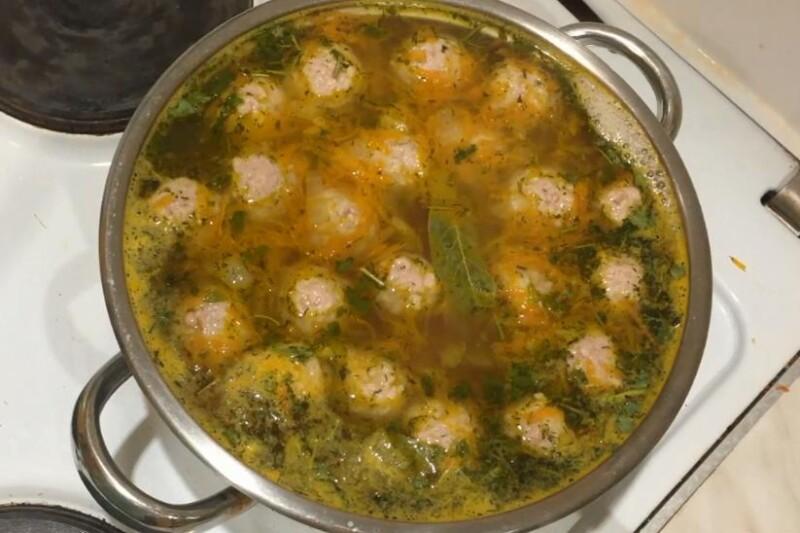 Как приготовить суп с фрикадельками быстро и вкусно