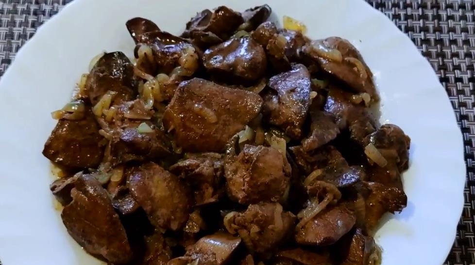 Как приготовить куриную печень на сковороде вкусно и просто