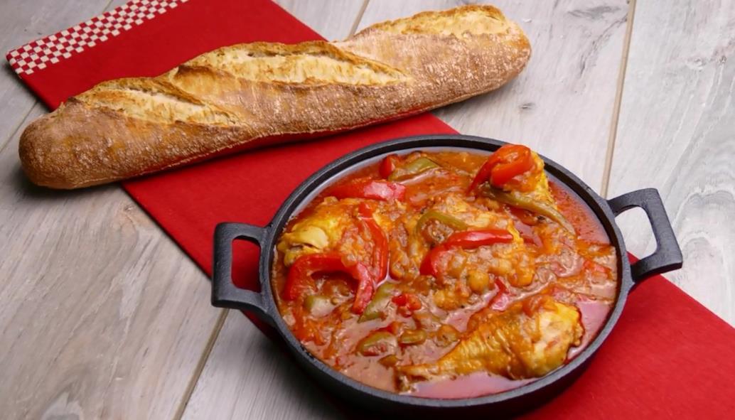 Приготовление чахохбили из курицы с фасолью в томатном соусе