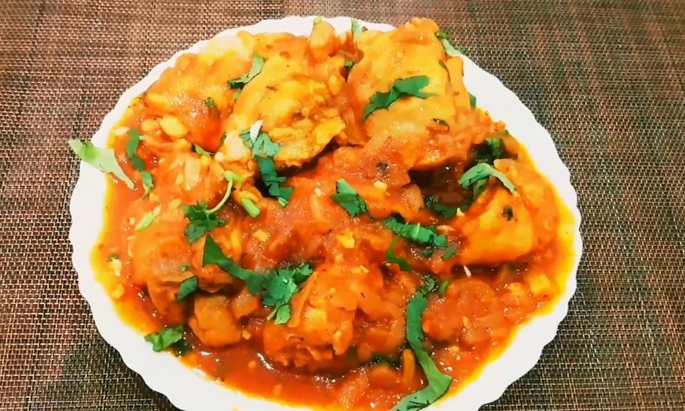 Простой рецепт чахохбили из курицы на сковороде с томатной пастой
