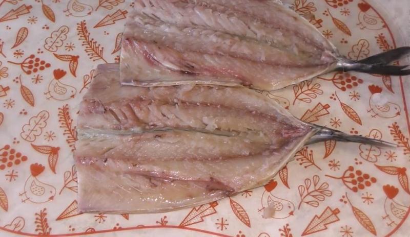 разрезаем рыбу
