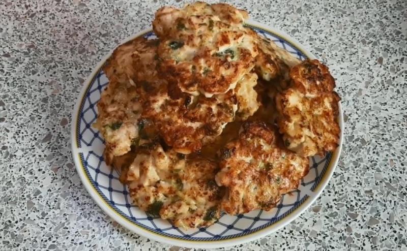 Котлеты из куриной грудки с кабачком в духовке