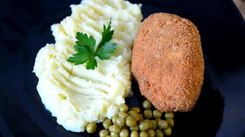 Котлеты по-киевски из куриной грудки в духовке — простой рецепт